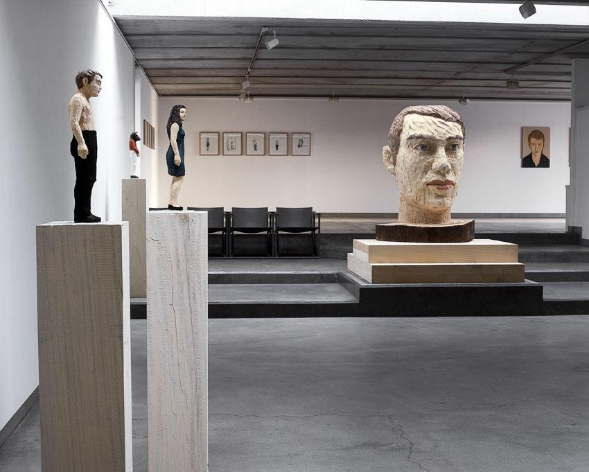 one-man show Stephan Balkenhol, 2005 - zicht op de tentoonstelling