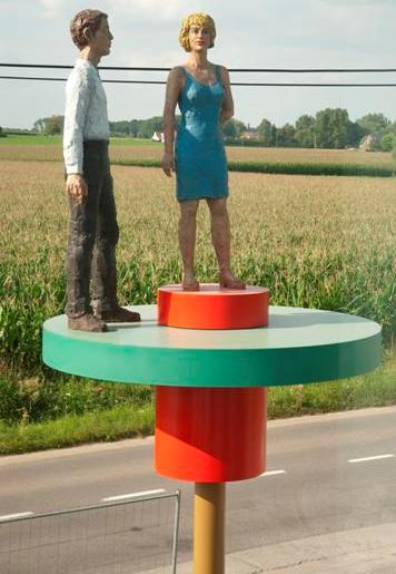 Stephan Balkenhol, Paar auf Drehscheiben (Pair on turning platforms), 2008, painted bronze and stainless steel, height 560 cm x 200 cm diameter